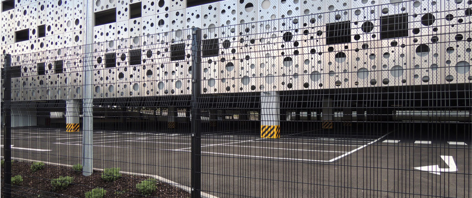 Mesh Fencing System